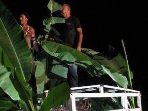 Caçadores da associação sobre armadilha. (Foto: Divulgação/Associação de Caçadores de Assombração de Mariana)