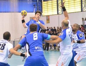 Taubaté gol Pinheiros Handebol (Foto: O fotografeiro/ MVP Sports)