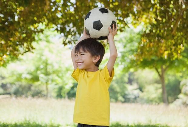 Atividades extracurriculares podem ser positivas, mas é preciso tomar cuidado com o exagero (Foto: Thinkstock)