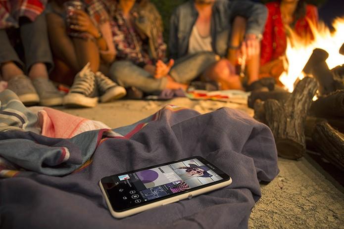 Xperia E4 oferece tela de 5 polegadas e duas câmeras (Foto: Divulgação/Sony)