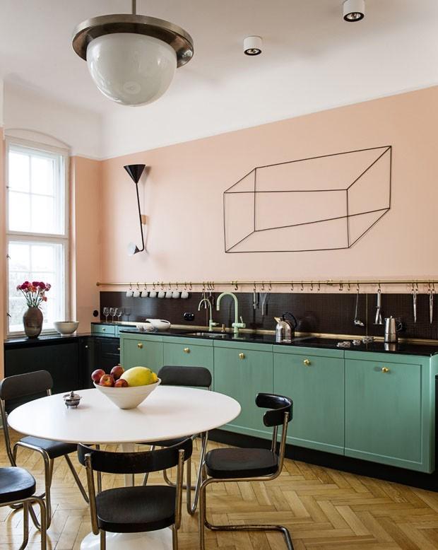 Top 10 cozinhas pintadas de rosa (Foto: divulgação)