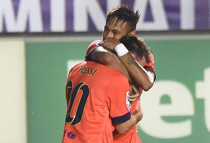 Neymar, Messi gol Barcelona x Levante (Foto: AFP)