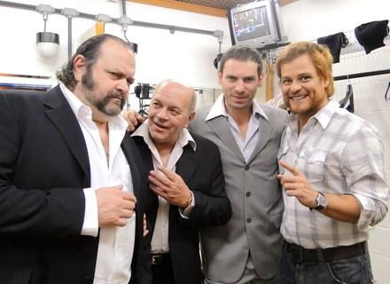 Germano Pereira e 'mafiosos' confraternizam nos bastidores