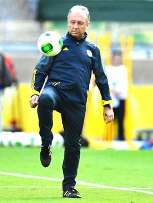 Alberto Zaccheroni treino japão (Foto: Marcos Ribolli)
