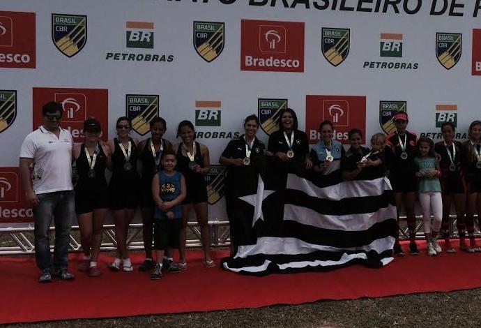Botafogo campeão remo (Foto: Guilherme Costa)
