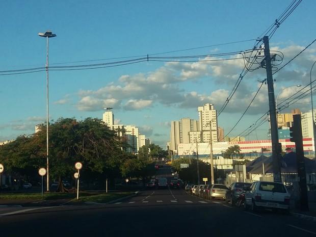 Avenida Afonso Pena na tarde desta quarta-feira (4) em Campo Grande (Foto: Josane Cruz/Arquivo pessoal)