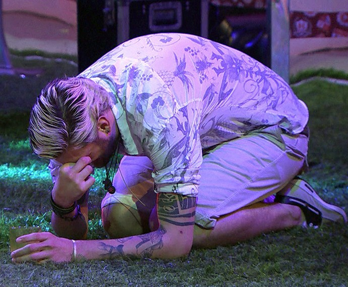 Ex-participante do reality caiu no choro ao descobrir que a mãe, Susi, estava na casa (Foto: TV Globo)