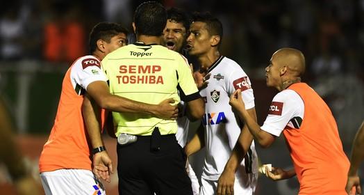fim da discussão (André Durão / GloboEsporte.com)