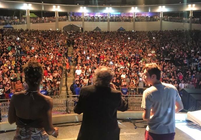 Moacyr Massulo dança 'Subindo pelas Paredes' com Nunes Filho (Foto: Rede Amazônica)