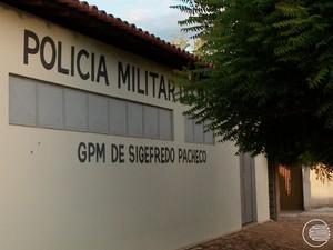 Sede do Batalhão da Polícia Militar de Sigefredo Pacheco (Foto: Reprodução/TV Clube)