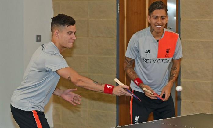 BLOG: Coutinho e Firmino disputam partida de tênis de mesa contra Klopp no Liverpool