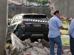 Range Rover é avaliada em R$ 400 mil (Foto: Reprodução/TV TEM)