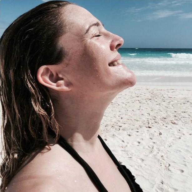 Recentemente, a atriz Drew Barrymore postou essa foto para mostrar como estava feliz aproveitando as férias. (Foto: Instagram)