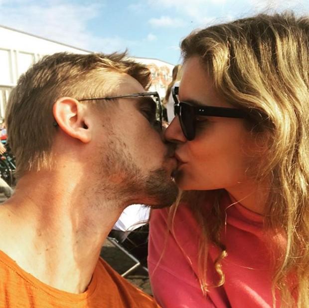 Boyd Holbrook e a namorada, Tatiana Pajkovic (Foto: Reprodução/Instagram)
