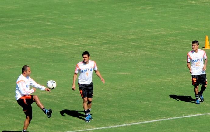 Flamengo treino Atibaia (Foto: Hector Werlang)