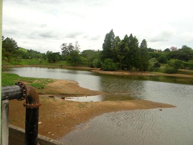 Represa de Santo Antônio operava com menos de 25% da capacidade em 2014 (Foto: Divulgação / Águas de Itu)