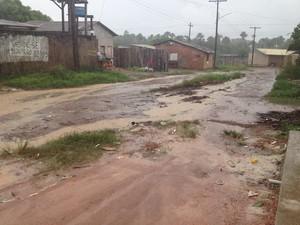 Falta de pavimentação no bairro Parque dos Buritis gera prejuízos, segundo empresa (Foto: Jéssica Alves/G1)