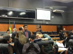 Sessão estava prevista para às 15h (Foto: Valéria Oliveira/G1 RR)