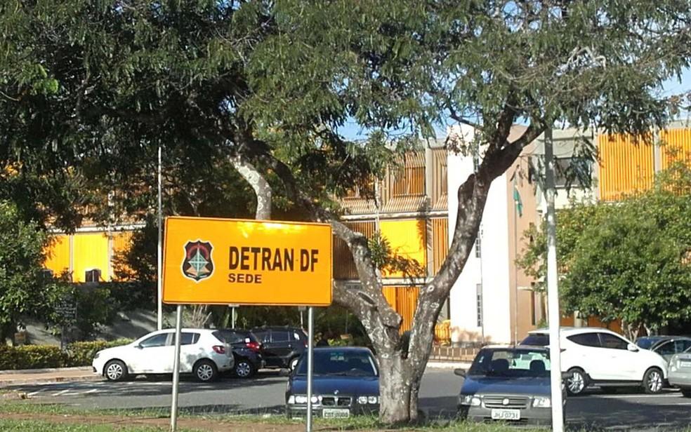 Fachada do Detran-DF (Foto: Graziele Frederico/G1)