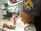 Suspeito de tráfico é detido com cocaína e maconha em Macaé, no RJ