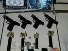 PM apreende espada, pistolas, munições e drogas em Campos, no RJ