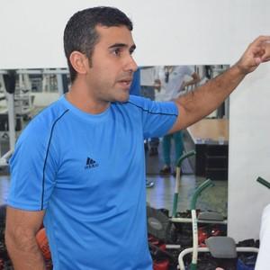 Especialista José Walfre Junior afirma que exercícios fora da academia dão resultados, mas é essencial o auxílio de um personal (Foto: Thiago J Cabral)