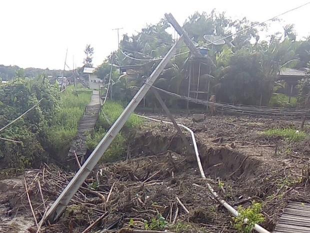 amapá; macapá; bailique; terras caídas; erosão; rio; (Foto: Elielson Barbosa/Arquivo Pessoal)