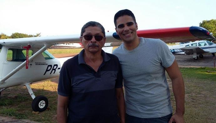 Nazareno Thé e Helder Vila no aeroporto Nossa Senhora de Fátima (Foto: TV Clube)