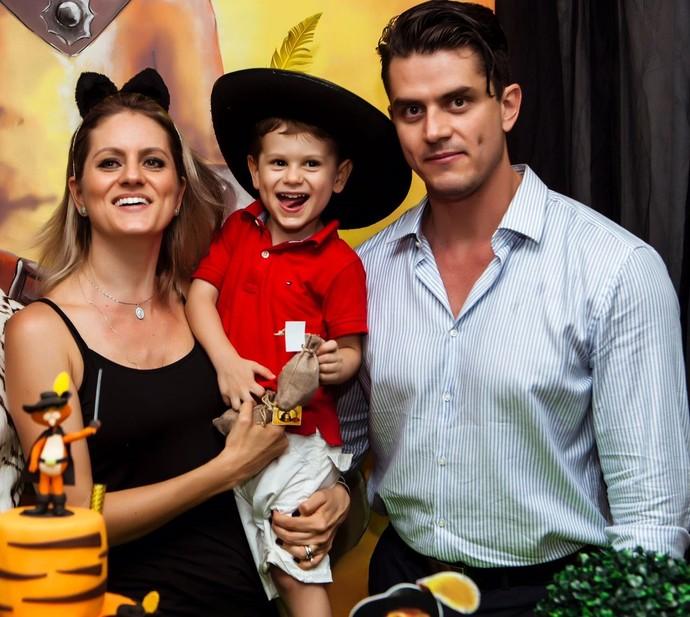 Marcos com sua irmã Caroline e o sobrinho João (Foto: Foto/Arquivo Pessoal)