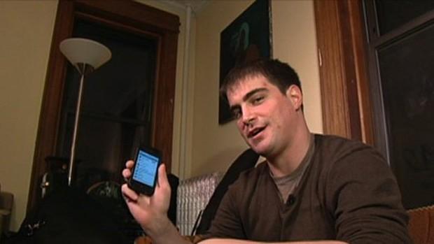 Americano recuperou iPhone ao marcar encontro com bandido fingindo ser mulher (Foto: Reprodução/ABC)