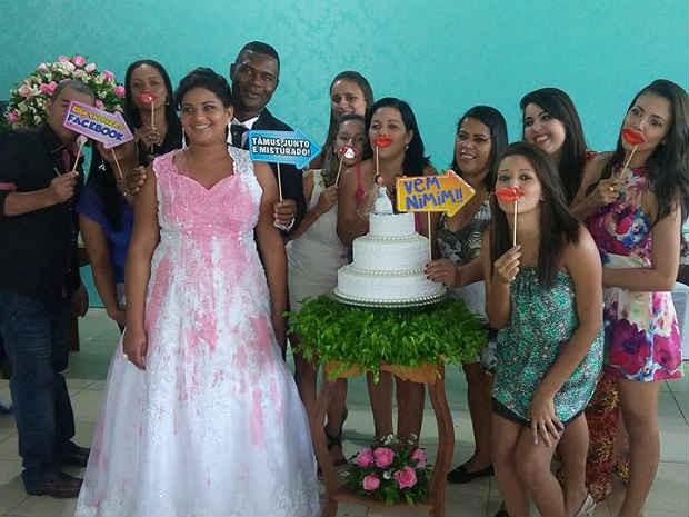 Noiva manchada Pirapetinga MG festa  (Foto: Adiliane Mattos/Arquivo pessoal)