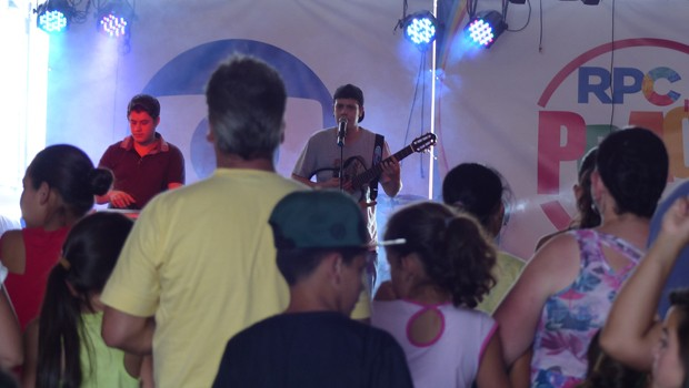 A banda Rapha Damasceno incendiou o público com vários sucessos (Foto: Divulgação/RPC)