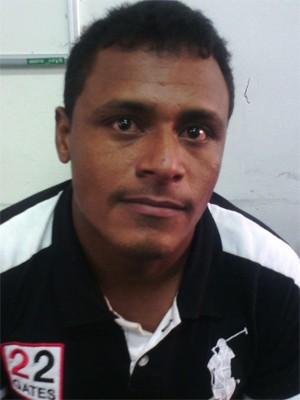 Apresentação de suspeito por assassinato de mecânico em Vitória do Mearim (MA) (Foto: João Ricardo Barbosa / G1)