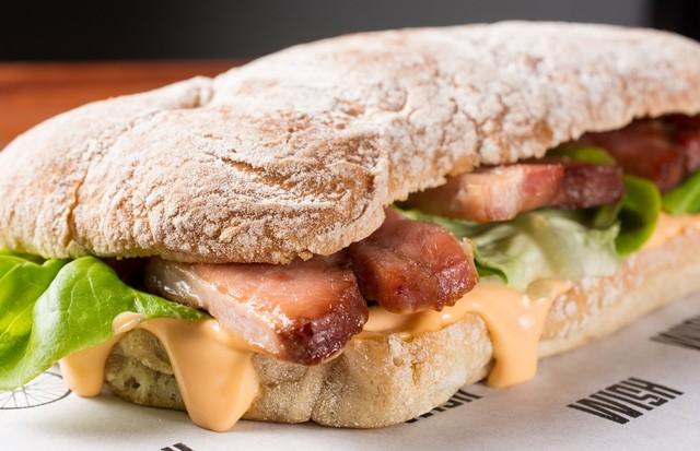 Sanduíche BLT: muito bacon! (Foto: Lipe Borges)