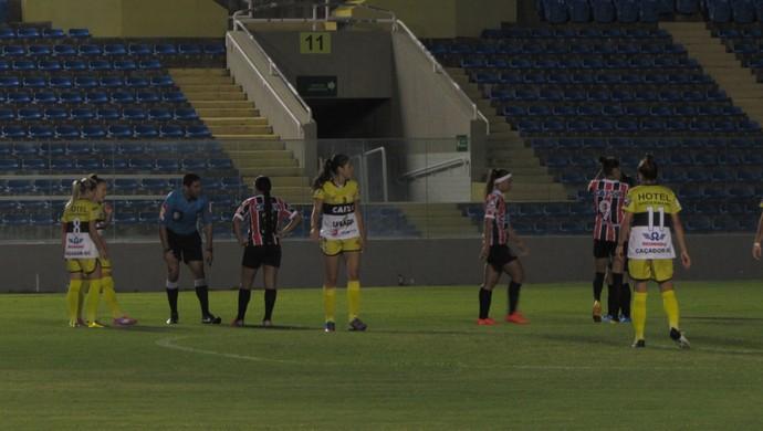 Caucaia x Kindermann pelo Campeonato Brasileiro Feminino (Foto: Juscelino Filho)