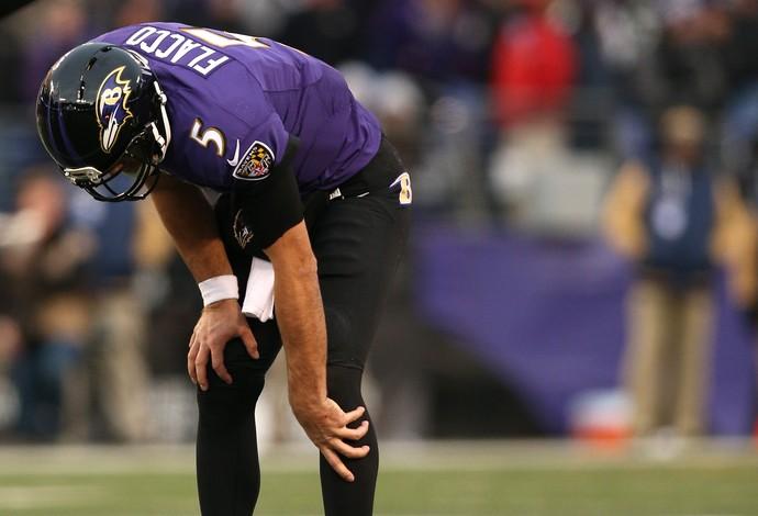 Joe Flacco sofre lesão no joelho e fica fora do restante da temporada (Foto: Patrick Smith / Getty Images Sport)