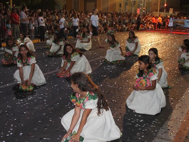 Lavandeiras foram representadas por estudantes (Foto: Taisa Alencar / G1)