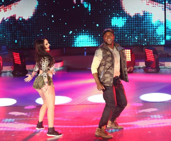 Érico Brás dança funk no Domingão (Foto: Carol Caminha/Gshow)