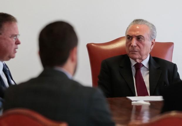 O presidente Michel Temer se reúne com o ministro da Agricultura, Pecuária e Abastecimento, Blairo Maggi para tratar da Operação Carne Fraca (Foto: Marcos Corrêa/PR)