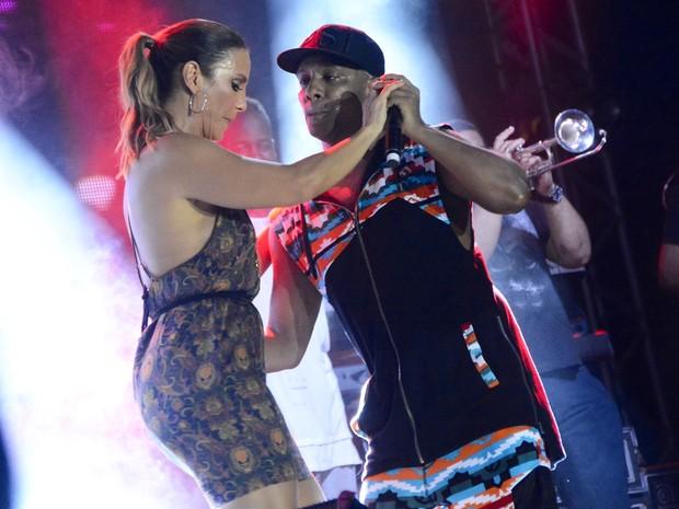 Ivete Sangalo e Márcio Victor em show em Salvador, na Bahia (Foto: André Carvalho/ Ag. Haack)