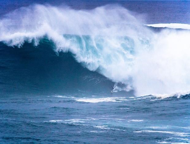 surfe Carlos Burle onda gigante (Foto: Rafael Tapia)