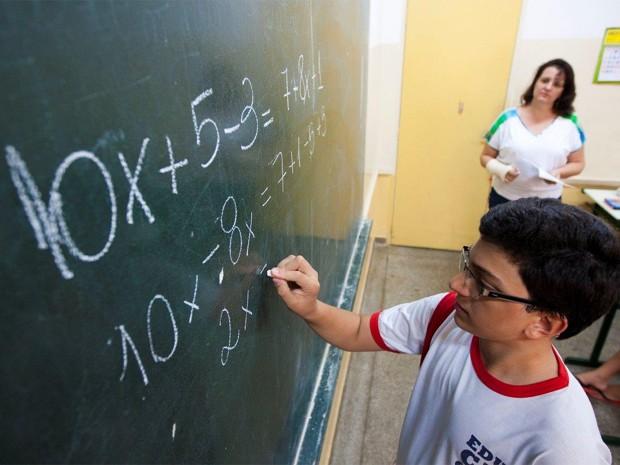 Alunos da EMEF Professor José Negri, onde Otávio estuda, obtiveram desempenho acima da média em matemática no Prova Brasil 2011 (Foto: Weber Sian/Jornal A Cidade)