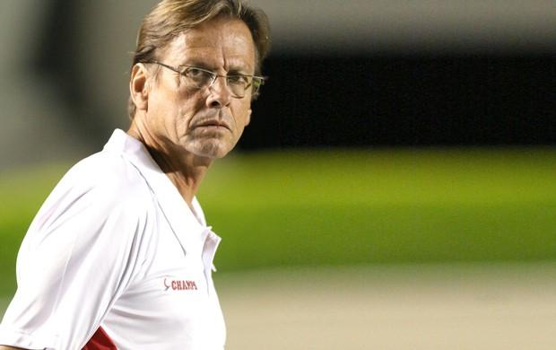 Waldemar Lemos, técnico do Atlético-GO (Foto: Wildes Barbosa/O Popular)