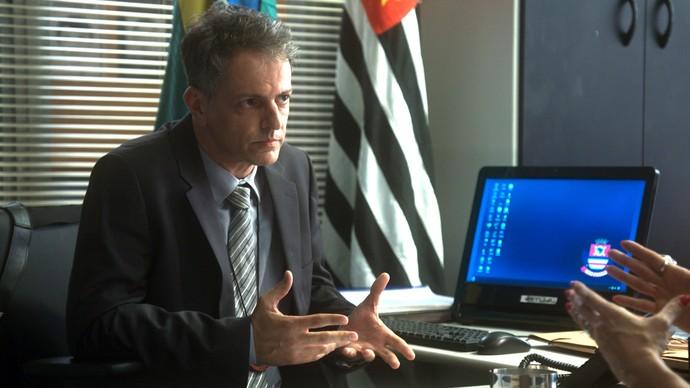 Delegado escuta confissão de Salete (Foto: TV Globo)
