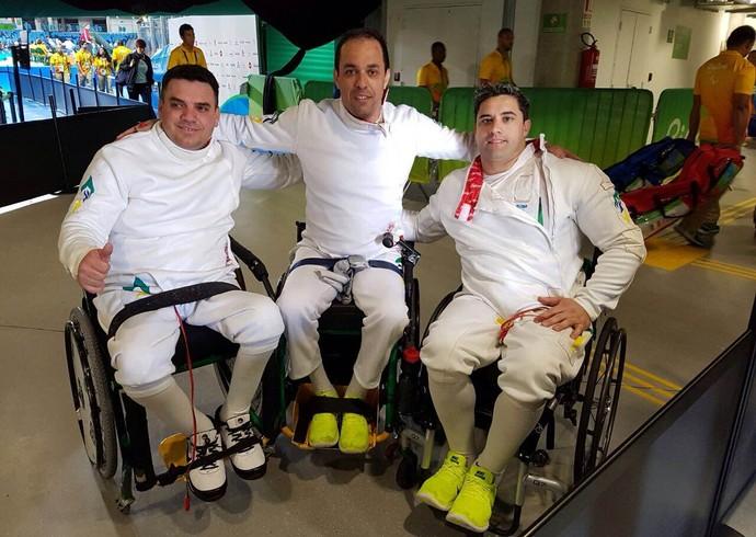 Fabio Damasceno, Sandro Colaço e Jovane Guissone esgrima cadeira de rodas (Foto: Zeca Azevedo)
