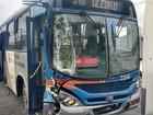 Acidente entre dois ônibus deixa quatro vítimas em Santos, SP
