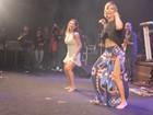 Carla Perez e Scheila Carvalho dançam até o chão em show