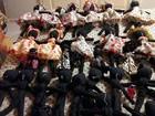 Artesã de MG cria bonecas negras para doar a crianças na África