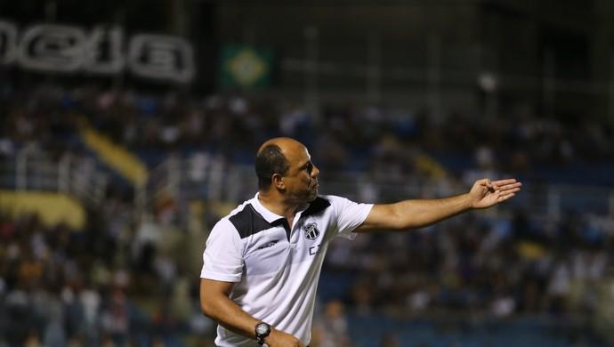 Sérgio Soares não crê em Ceará acomodado e lamenta erros de passes