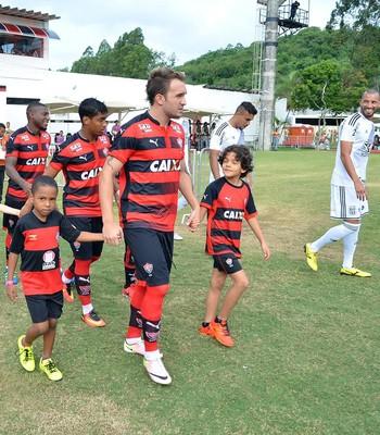 Vitória; Willian Farias; Barradão (Foto: Francisco Galvão/EC Vitória/Divulgação)